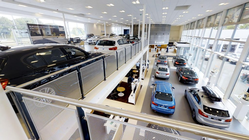 Showroom di automobili BMW & MINI